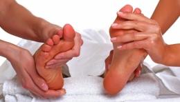 Индийский массаж стоп для двоих