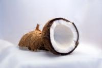 Натуральное кокосовое масло холодного отжима: как применять и с чем его едят
