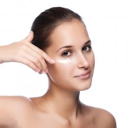 Как правильно выбрать средство для кожи вокруг глаз?